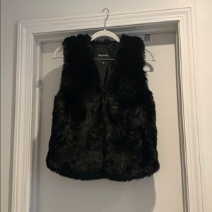 Madewell black faux fur vest XXS